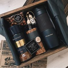 47 Ideas Birthday Gifts For Husband Subscription Boxes For 2019 Gift Box For Men, Gift Baskets For Men, Diy Gift Box, Present Ideas For Men, Coffee Gift Baskets, Best Gifts For Men, Fathers Day Gift Basket, Fathers Day Gifts, Basket Gift