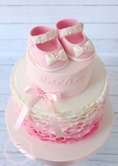 Discover recipes, home ideas, style inspiration and other ideas to try. Tortas Baby Shower Niña, Baby Shower Cakes, Panda Birthday Party, Birthday Cake, Chocolate Hazelnut Cake, Fondant, Baby Gifts To Make, Welcome Baby Girls, Baby Girl Cakes