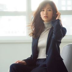 All About Japan, Actor Model, Japanese Fashion, Erika, Fashion Models, Beautiful Women, Turtle Neck, Hairstyle, Actors