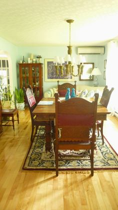 One can't get over the habit of being a little girl all at once...: Refreshed Dining Room