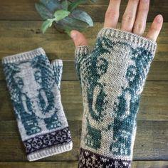Crochet Mittens, Mittens Pattern, Crochet Gloves, Lace Gloves, Crochet Lace, Irish Crochet, Ravelry Crochet, Crochet Pillow, Crochet Granny