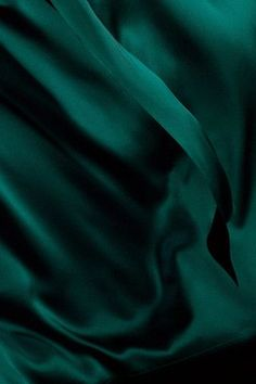 ~ It's a Colorful Life ~ — Flowing Silk ~ Pantone's Ponderosa Pine Color Verde Jade, Pantone, Dark Green Aesthetic, Slytherin Aesthetic, Monochrom, Textures Patterns, Shades Of Green, Emerald Green, Color Inspiration