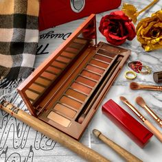 Urban Decay Naked Heat Palette Review Flatlay - Soft October Night - A Style and Creativity Blog, makeup, cosmetics, beauty