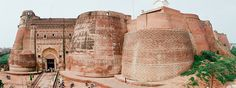 This fort of Bahadurgarh was in the police department custody as this was designed very compact and citadel. This fort was situated on the left region of the Rajpura-Patiala road and this four-walled fort also encircled the village Saifabad.