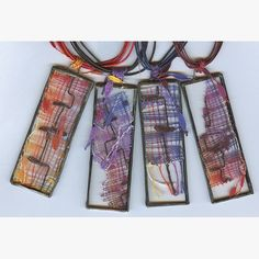 Paličkování   Paličkovaná krajka - Iva Prošková Lace Jewelry, Textile Jewelry, Bobbin Lace Patterns, Yarn Thread, Lace Heart, Lace Making, String Art, Lace Detail, Diy And Crafts