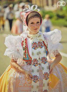 Folk Clothing, Dance Stuff, Folk Dance, When I Grow Up, Handkerchiefs, Folk Costume, People Of The World, Dance Costumes, Beautiful Patterns