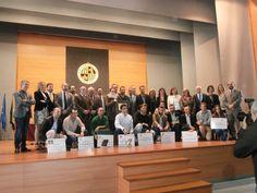 el equipo de urbecom.com junto con el resto de ganadores en el Aula Magna de la Universidad de Jaén
