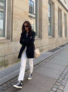 Outfit Stile, Denim Outfit, White Jeans Winter Outfit, Shirt Outfit, Look Fashion, Korean Fashion, Autumn Fashion, 2000s Fashion, Classy Fashion