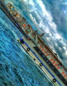 galata tower / istanbul / turkey / photo by koto serdar bulgu
