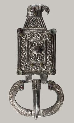 Buckle in the Shape of an Eagle, 6th century Ostrogothic Gilt silver, garnet; L…