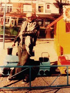 """lunatico-del-fin: """"Luca Prodan. Estación Villa del Parque - Año 1986 """" Rock Argentino, Alternative Rock Bands, Post Punk, Reggae, Trippy, Rock N Roll, Musicals, Sumo, Nostalgia"""