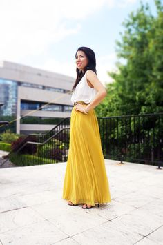 Petite Fashion Bloggers :: Petite Hues :: Mustard Pleats & White Drapes