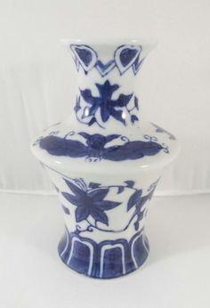 Chinese Blue White Bats Porcelain Vintage Small Mini Oriental Asian Bud Vase in Pottery, Glass, Pottery, Porcelain, Asian, Oriental | eBay!