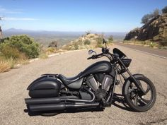It's so tasty. Victory Motorcycles, Harley Davidson Motorcycles, Cars And Motorcycles, Victory Vegas, Biker Girl, Bike Design, Bike Life, Custom Bikes, Motorbikes