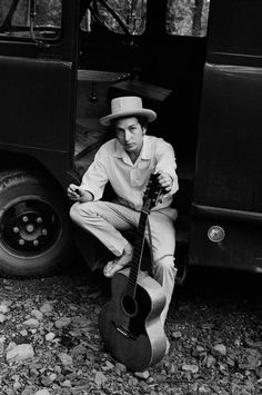 Bob Dylan, on his equipment truck outside his Byrdcliff home, Woodstock, NY, 1968. Photo by Elliot Landy / Magnum Photos.
