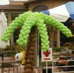 Palm tree made of balloons.
