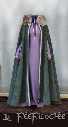 Costume Viking for women - Lagertha's costume : dress+ cloak of woolen fabric by FeeFilochee on Etsy