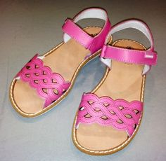 SANDALIA NIÑA Kid Shoes, Girls Shoes, Flat Sandals, Flats, Africa Dress, Infants, Nudes, Kids And Parenting, Little Girls
