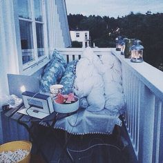 Relationship goals❤️ follow me on instagram for more hipster/tumblr-ish photos @______isaakmahone______