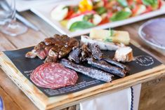 Spoil your guests with a personalised charcuterie board, prepared by chef Bertus Bester👨🍳 Captured by Adele Kloppers Photography for Anel & Marius Africa Theme Party, Pub Wedding, Dream Wedding, South African Weddings, Cheese Platters, Charcuterie Board, Party Entertainment, What To Cook, Adele