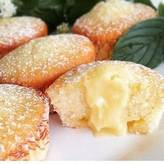 Citron muffins with lemon curd filling Baking Recipes, Cookie Recipes, Snack Recipes, Dessert Recipes, Snacks, Cheesecakes, Scones, Cookie Cake Pie, Swedish Recipes