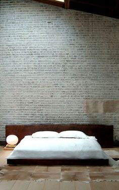 wood slab bed and exposed brick wall equal all I want in life Interior Architecture, Interior And Exterior, Brick Interior, Interior Ideas, Deco Zen, White Wash Brick, Brown Brick, Grey Brick, Brown Rug