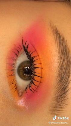 Maquillaje de ojos Edgy Makeup, Makeup Eye Looks, Basic Makeup, Eye Makeup Art, Eyeshadow Makeup, Makeup Pictorial, Makeup Tutorial Eyeliner, Creative Eye Makeup, Colorful Eye Makeup