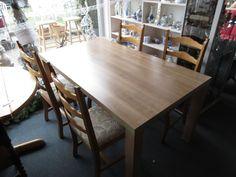Tisch mit vier stühle Eiche Hell bei HIOB Muttenz http://hiob.ch/schnaeppchen/tisch-mit-vier-stuehle-eiche-hell #Schnäppchen #Trouvaille