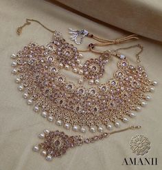 AMANI Crystal Collection: Party Jewellery sets This unique collection ranges in a variety of gold pl Indian Bridal Jewelry Sets, Wedding Jewelry Sets, Jewelry Party, Jewelry Gifts, Indian Gold Jewellery, Wedding Accessories, Hair Accessories, Trendy Accessories, Costume Jewelry