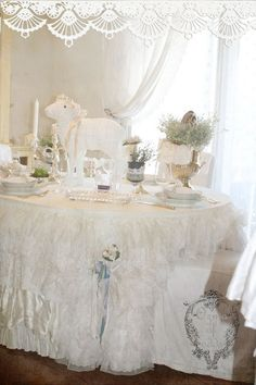 Easter Table... ❤️.•°¤*(¯`★´¯)*¤° Shabby Chic.•°¤*(¯`★´¯)*¤°❤️