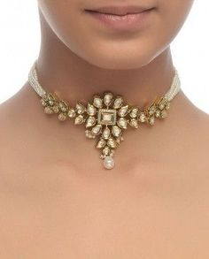 Choker Necklace with Kundan Motif #IndianJewelry #GoldJewelleryAwesome
