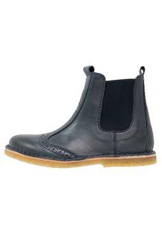 Bisgaard Korte laarzen jeans, 89.95, http://kledingwinkel.nl/shop/kinderen/bisgaard-korte-laarzen-jeans/ Meer info via http://kledingwinkel.nl/shop/kinderen/bisgaard-korte-laarzen-jeans/