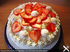 Erdbeer - Raffaelo - Torte, ein raffiniertes Rezept aus der Kategorie Backen. Bewertungen: 54. Durchschnitt: Ø 4,4.