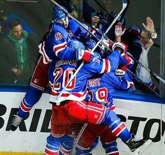NYR spoil Hawks banner party.