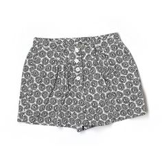 Pre-owned Calvin Klein Shorts ($16) ❤ liked on Polyvore featuring shorts, black, calvin klein and calvin klein shorts