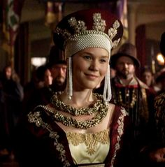 Anne of Cleves, Fourth Wife of Henry VIII / The Tudors - Joss Stone I loved the Tudors mini series and have the DVD collection. I recommend watching it if you haven't already. Anne Of Cleves, Anne Boleyn, Jessica Alba Dress, The Tudors Tv Show, Eleanor Of Aquitaine, The Other Boleyn Girl, Fairy Tale Costumes, Joss Stone, Fascinators