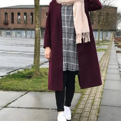 """Weather in Germany always like this – Hijab Fashion Hijab Casual, Hijab Chic, Casual Winter Outfits, Winter Mode Outfits, Winter Fashion Outfits, Ootd Hijab, Fashion Fall, Islamic Fashion, Muslim Fashion"