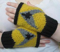 Star Trek TNG gold fingerless gloves knit fan art ready to ship | tinybully - Accessories on ArtFire