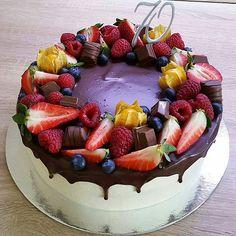 Food Porn, Birthday Cake, Desserts, Instagram, Tailgate Desserts, Deserts, Birthday Cakes, Postres, Dessert