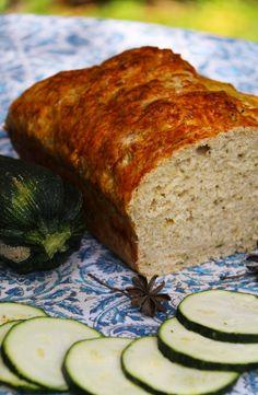 No se siente el sabor del zapallito. Siempre he encontrado que el zapallito no tiene tanto sabor, pero sí hace algo muy bueno en el pan: le da una rica textura húmeda y lo hace más esponjoso. Así que también podrían usarlo como base y Muffins, Vegan Bread, Breakfast Cookies, Egg Free, Sin Gluten, Banana Bread, Food And Drink, Nutrition, Meals