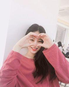 Korean Couple, Korean Girl, Asian Girl, Ulzzang Korea, Ulzzang Girl, Korean Best Friends, Girl Korea, Girl Couple, Long Black Hair
