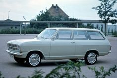 Opel Kadett B, I would so drive this right now!!! Me and Gavin will be cruisin'!!!