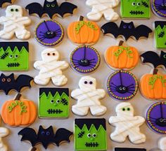 Here are the Halloween Cookie Decorating Ideas. This article about Halloween Cookie Decorating Ideas was posted under the Hallowen Decor Ideas category by our team at October 2019 at am. Hope you enjoy it and don't forget to . Halloween Desserts, Halloween Cupcakes, Cookie Halloween, Postres Halloween, Halloween Cookies Decorated, Halloween Sugar Cookies, Halloween Party Favors, Theme Halloween, Halloween Goodies