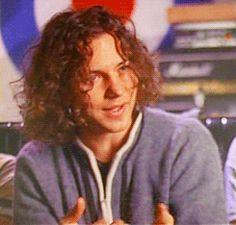 GUYS Confused Eddie is confused Surprised Mike is. Peral Jam, Top 10 Hottest Guys, Ed Vedder, Pearl Jam Posters, Hair Metal Bands, Pearl Jam Eddie Vedder, Rock Hairstyles, Chris Cornell, Best Rock