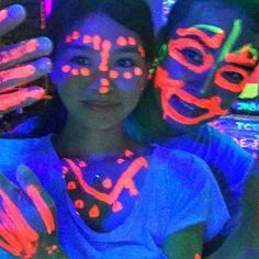 【__m__i__k__u__】さんのInstagramをピンしています。 《💫 旦那が歌舞伎のフェイスペイントやってって言うから、頑張って描いたら白人に大ウケで、お陰で色んな人から写真を求められる😊🎉 💫 #neon#party#フェイスペイント#ペイント#paint#Facepaint#ネオン#club#サメット島#サメット島#khosamed#samed#samedisland#SaiKaewBeach#サイケオビーチ#beach#sea#海#ビーチ#リゾート#summer#vacation#bangkok #thailand #バンコク#タイ #タイ生活 #バンコク暮らし #バンコク生活》