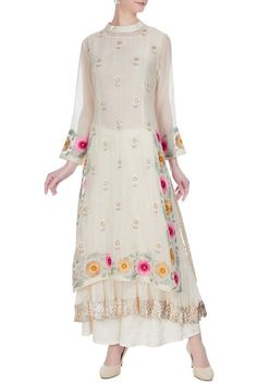 Shop Aditi Somani Off-white chanderi hand embroidered mirror kurta set , Exclusive Indian Designer Latest Collections Available at Aza Fashions Gharara Designs, Kurta Designs, Embroidery Suits Design, Hand Embroidery, Pakistani Dresses, Indian Dresses, Indian Outfits, Indian Clothes, Indian Wear