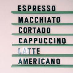 Rise and shineeee  It's kickass time! #colourcake #marketing #printmanagement #coffee #morningroutine