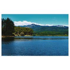 Reposting @melissavaldescastillo: Un lago es uno de los rasgos más bellos y expresivos de un paisaje. Es el ojo de la tierra; y en mirándose en él descubre el observador la profundidad de su propia naturaleza. . . . .  #nature