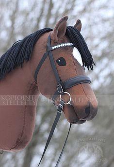 Iisan tallin blogi Hobby Horse, Horse Tack, Stick Horses, Horse Head, Sewing Stuffed Animals, Most Beautiful Horses, Fabric Animals, Hobbies, Wooden Horse