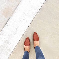Madewell Lou Loafer in cognac, worn by our friend @sweetcarolinvd #wellheeled